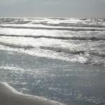 Wellen im Sonnenlicht
